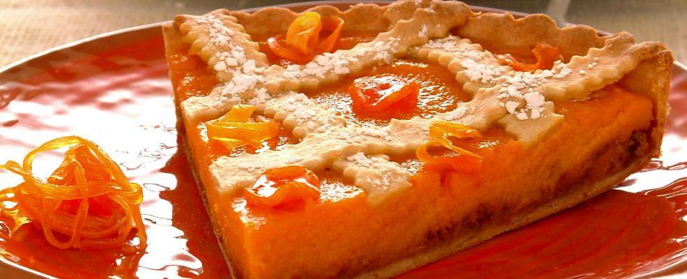torta con arancia e amaretti Sale&Pepe ricetta