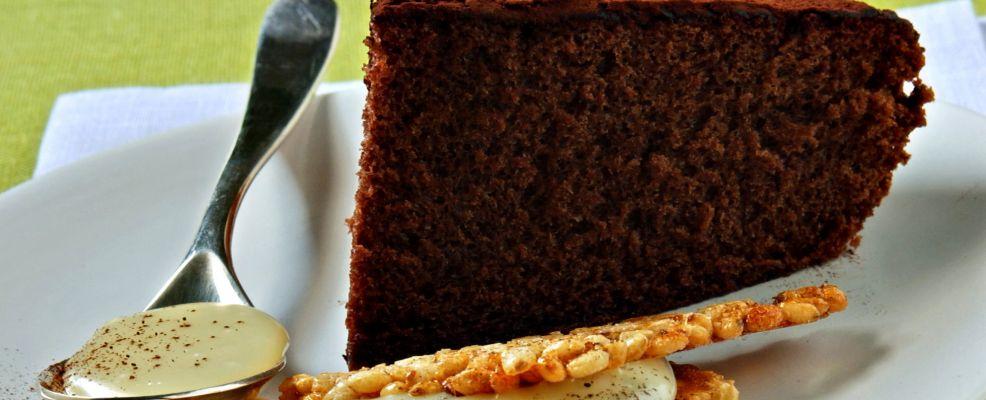torta-di-cioccolato-con-croccante-e-crema ricetta