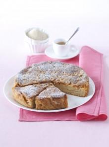 La torta di mele e nocciole