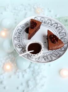 La torta doppio cioccolato al pepe rosa