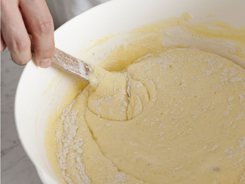 torta farcita con castagne e cioccolato immagine