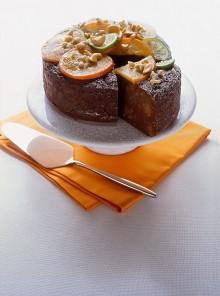 Torta morbida con pinoli e anacardi