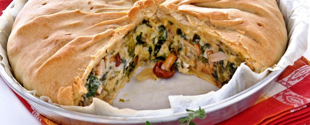 torta-salata-di-porcini-scarola-ed-erbe