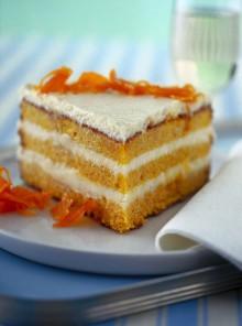 La torta soffice di carote con le mandorle