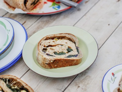 tortano-con-olive-provola-ed-erbette