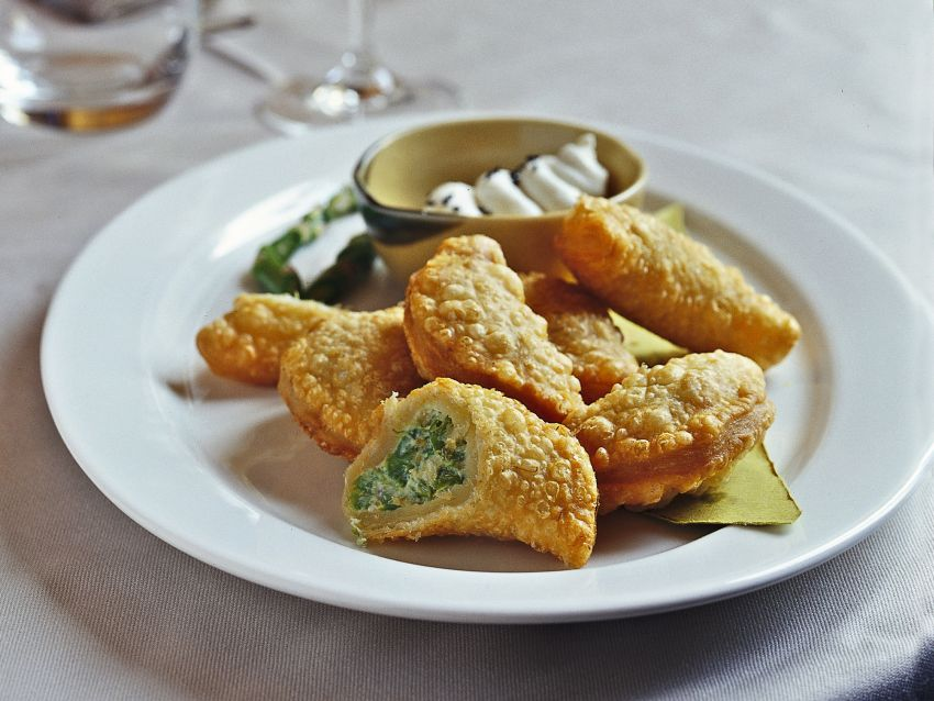 tortelli-fritti-con-asparagi-e-ricotta step