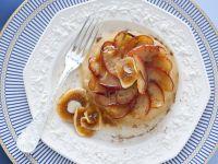 tortino di mele al piatto con fichi secchi ricetta Sale&Pepe