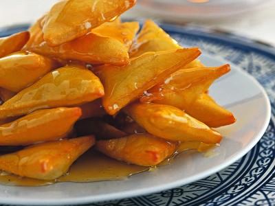 triangoli-fritti-ricoperti-di-miele