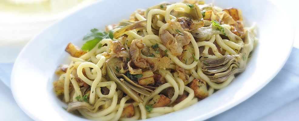 troccoli-con-carciofi-patate-novelle-e-lardo
