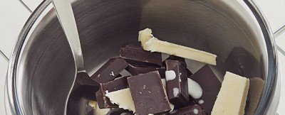 uova di cioccolato croccanti step