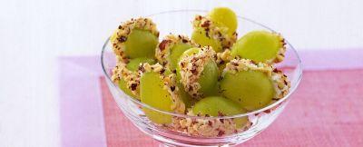 uva con crema alle noci ricetta