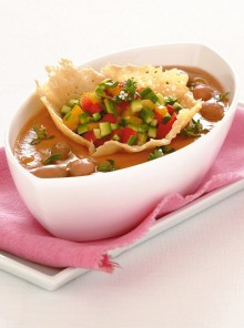 Vellutata fredda con tartara di zucchine e peperoni