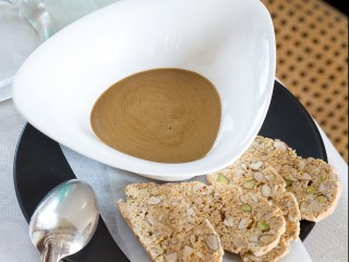 zabaione-al-caffe-con-biscottini-al-pistacchio