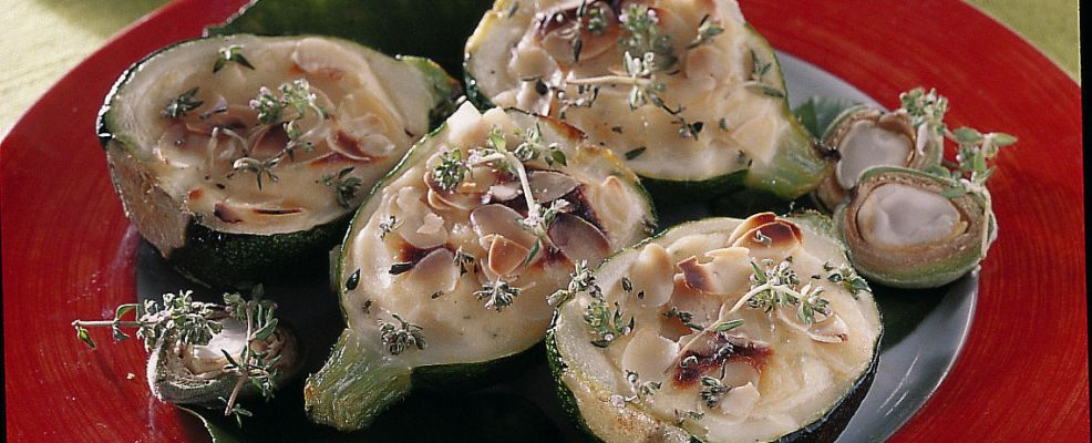 zucchine ripiene alle mandorle Sale&Pepe ricetta