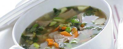 zuppa-dagnello-e-verdure foto