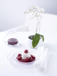 Zuppa di ciliegie e ricotta di pecora