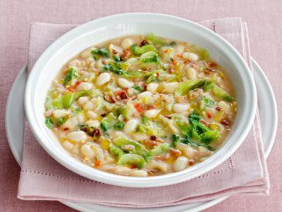 zuppa di fagioli zolfini e scarola