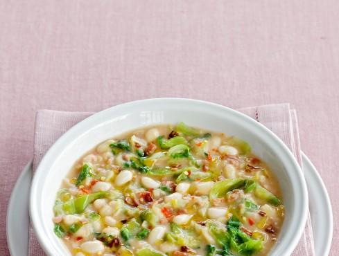 zuppa di fagioli zolfini e scarola Sale&Pepe