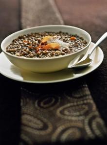 La zuppa di lenticchie al profumo di cumino e limone