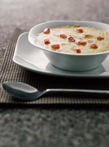 La zuppa di porri e patate al formaggio con melagrana