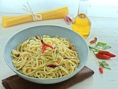 Pici-aglio-olio-e-peperoncino