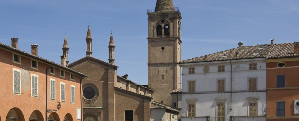 Busseto, piazza Verdi e Oratorio della Santissima Trinità, dove si sposò Verdi (Foto James Emmerson /Robert Harding World Imagery /Corbis)