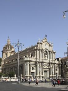 La raggiante Catania, tra forme barocche e sapori mediterranei