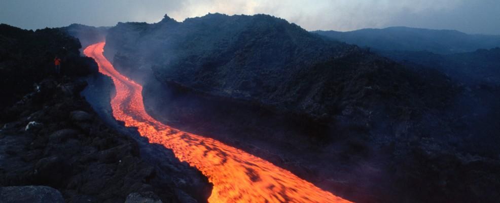 Lava dall'Etna, maggio 1983 (foto © Vittoriano Rastelli /Corbis)