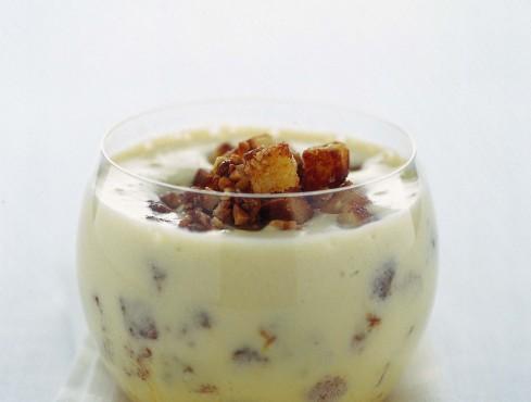 crema-al-rum-con-mandorle-caramellate