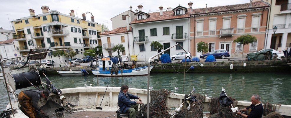 Pescatori nel porto di Grado (Foto © Michal Fludra /Demotix /Corbis)