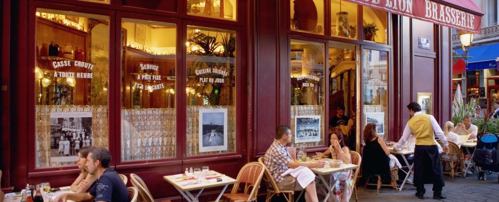 Lione, tipico bouchon in Rue Merciere (Foto © Jean-Pierre Lescourret /Corbis)