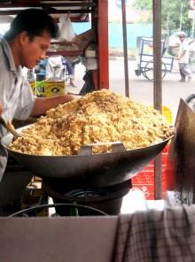 Nasi goreng, l'Indonesia a tavola