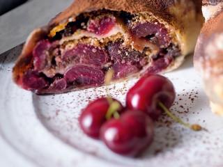 strudel freddi di ciliegie e cacao | Sale&Pepe