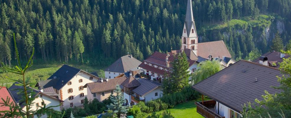 Chiesa di Santa Cristina, Val Gardena (Foto © Frank Fell /Robert Harding World Imagery /Corbis)