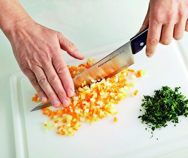 Usare coltello trinciante Sale&Pepe