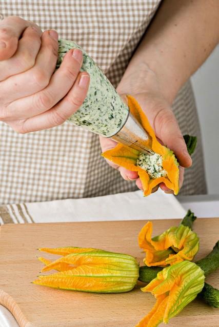 step fiori di zucca Sale&Pepe