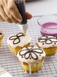 Come si usano la penna decoratrice e i mini stampi