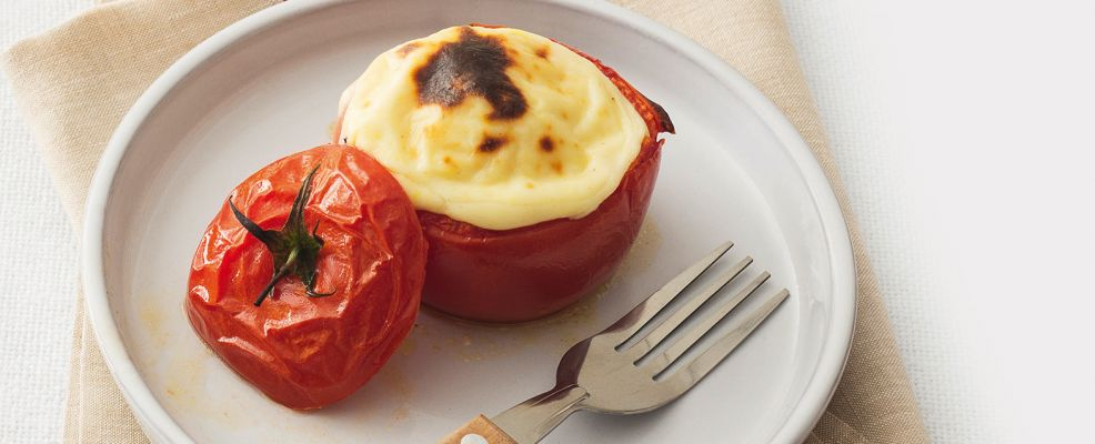 Pomodori vestiti con mozzarella