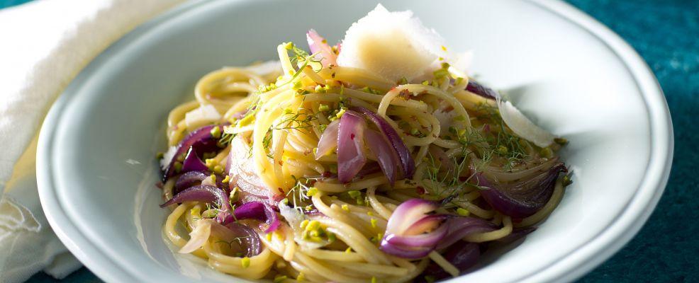 spaghetti-cipolle-tropea-caramellate ricetta Sale&Pepe