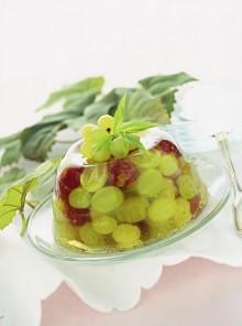 L'aspic di uva bianca e rosata al Prosecco
