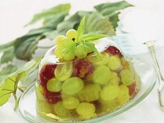 aspic-di-uva-bianca-e-rosata-al-prosecco-ricetta