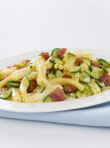Carbonara con zucchine e bacon
