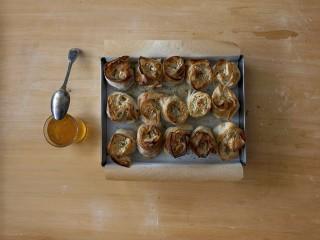 ricetta rose di pasta fillo alla frutta secca Sale&Pepe