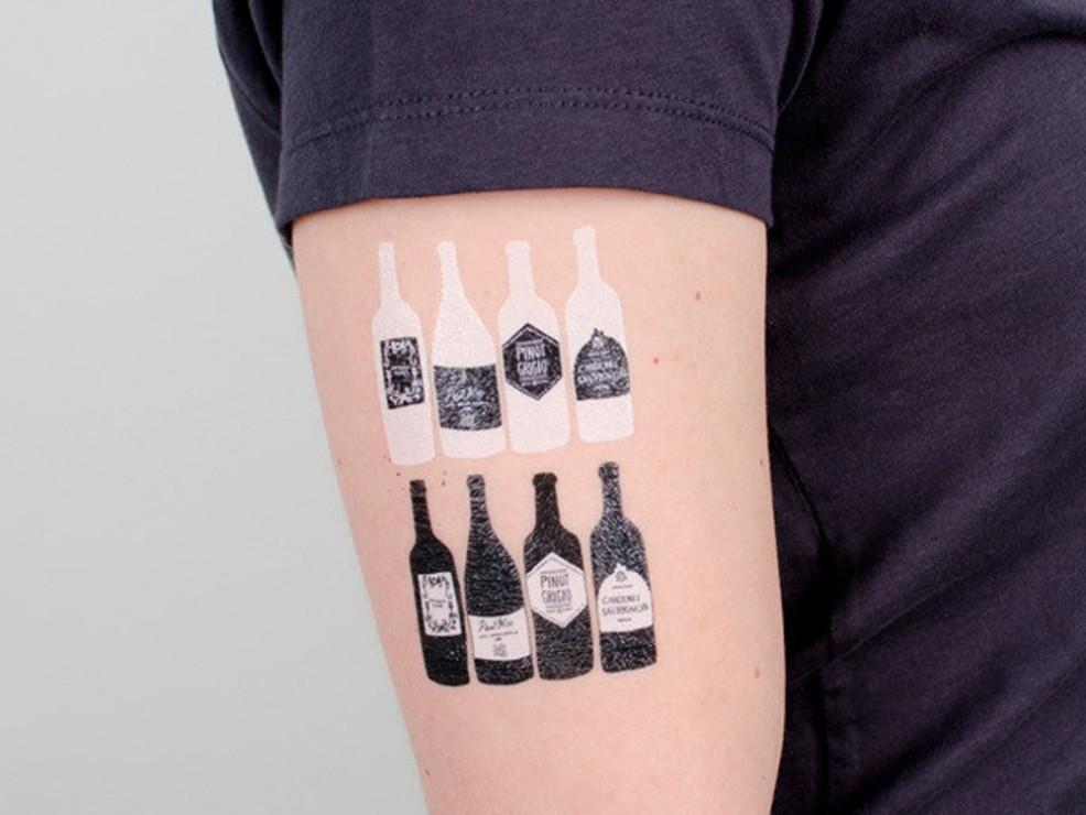 tattly_julia_rothman_bottles_web_applied_01_grande