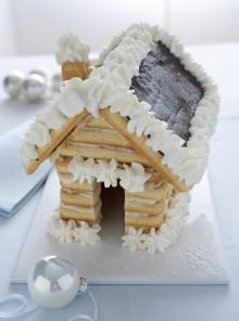 Casetta di Natale di savoiardi