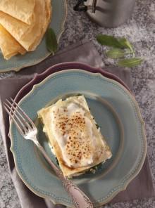 Lasagna di crepes con coste e fontina