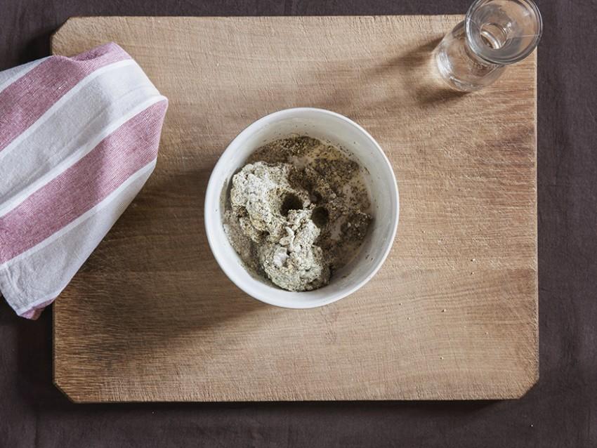 gnocchetti di farina di ceci neri e grano con sugo di peperoni secchi e cicoria Sale&Pepe step