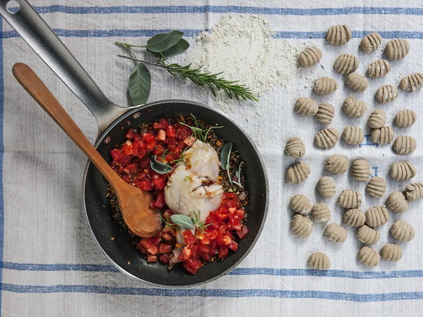 step gnocchi di castagne e ricotta al ragù di coniglio Sale&Pepe