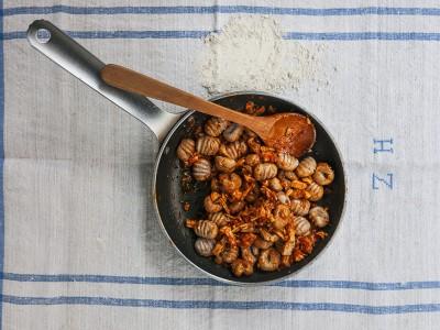 gnocchi di castagne e ricotta al ragù di coniglio ricetta