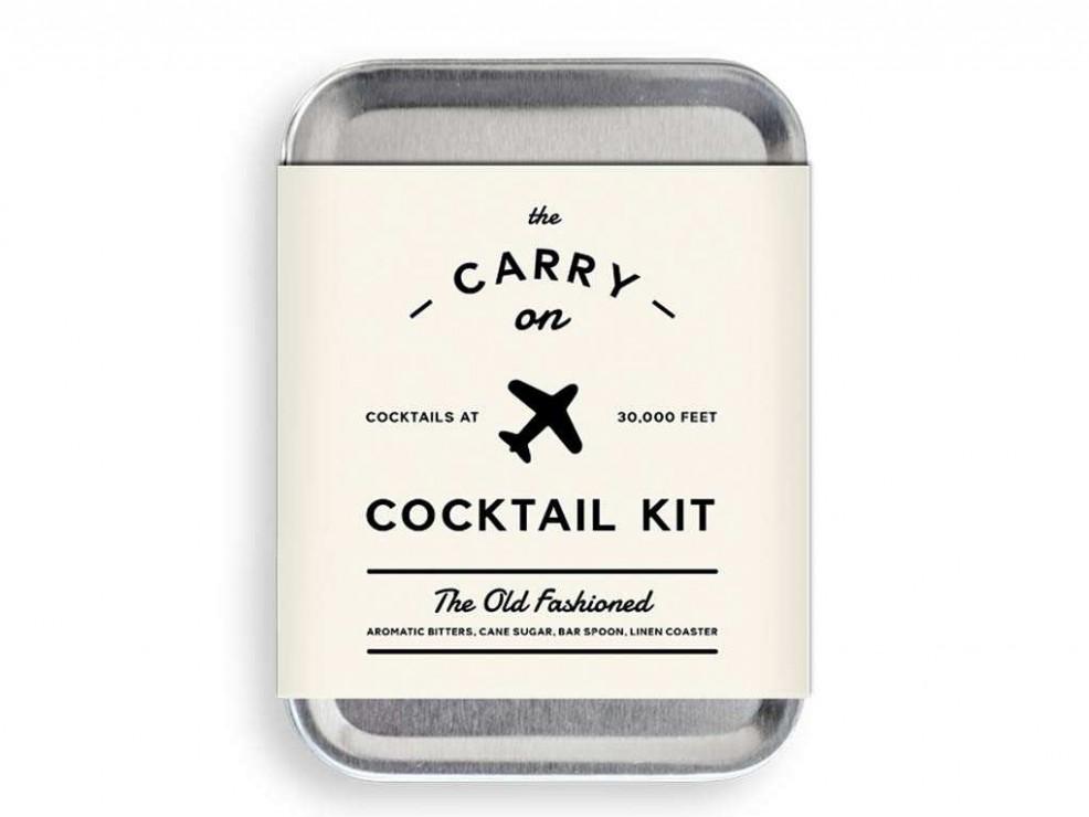 6) Kit per preparare cocktail in volo